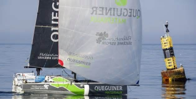 Yann Eliès leads La Solitaire on the final long straight to stage 3 finish