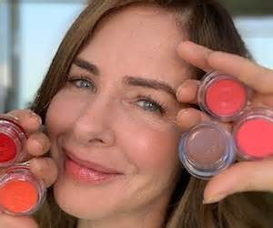 Trinny Woodall 3-Product Makeup Tutorial